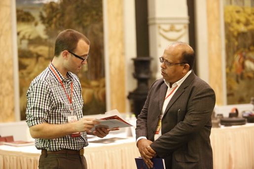 American Buyer Talking with Indian Supplier